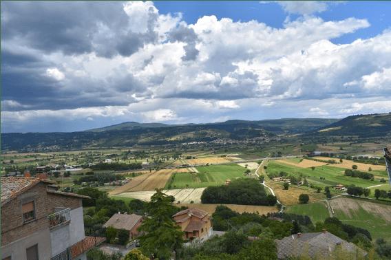 Panorama sulla vallata del Fiume Chiani